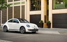 Обои автомобили Volkswagen Beetle - 2011