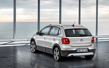 Обои автомобили Volkswagen CrossPolo - 2010
