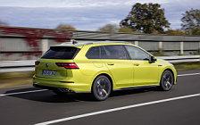 Обои автомобили Volkswagen Golf 2.0 TDI R-Line Variant - 2020