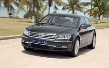 Обои автомобили Volkswagen Phaeton V8 long wheelbase - 2010