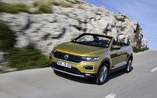 Обои автомобили Volkswagen T-Roc Cabriolet (Turmeric Yellow) - 2020