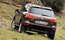 Обои автомобили Volkswagen Touareg V8 TDI - 2010