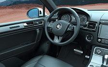 Обои автомобили Volkswagen Touareg R-Line - 2014