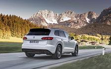 Обои автомобили Volkswagen Touareg V6 TDI R-Line - 2018