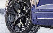 Обои автомобили Volkswagen Touareg R - 2020